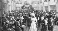 Interior del Folies Bergère hacia 1900.