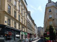 Calle de la Boule-Rouge chaflán con la de Geoffroy-Marie, frente al Folies Bergère (primera casa de Samuel).