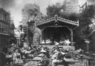El elefante de la Bastilla en el Jardin d'hiver del Moulin Rouge (1889).