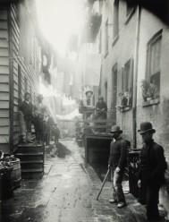 Cotarro del bandido (calle Mulberry). Jacob Riis, 1890.