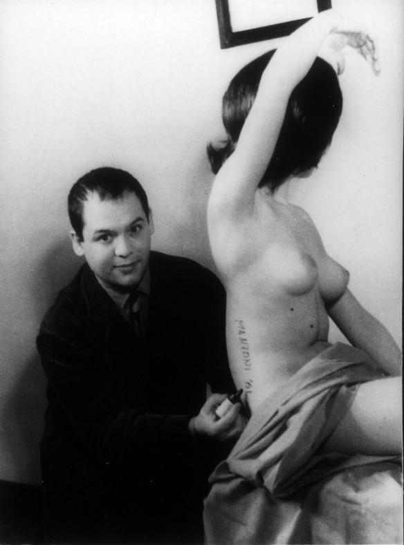 5_foto-manzoni-scultura-vivente-1961