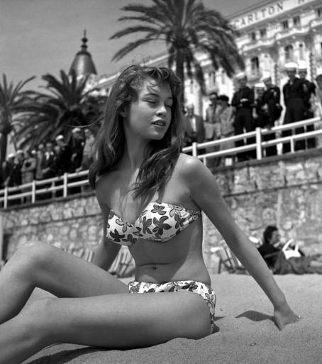 Brigitte Bardot en Cannes (1953).