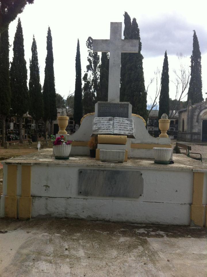 cementeri-muro