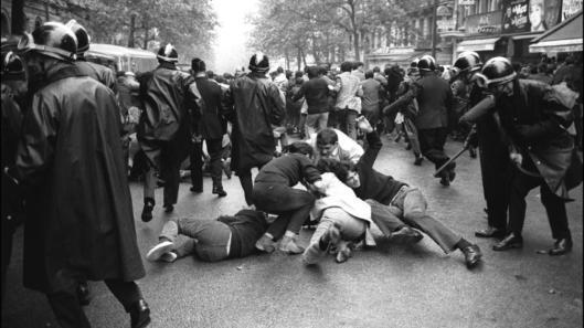 CRS en el boulevard Saint-Germain el 6 de mayo