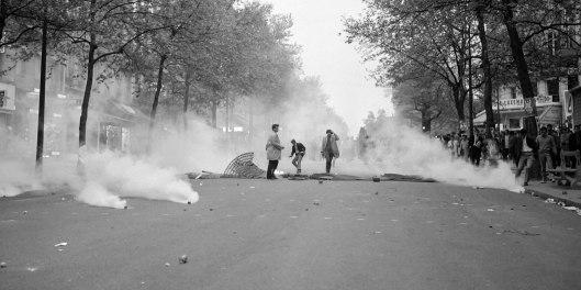 El boulevard Saint-Germain el 6 de mayo al lanzar la policía granadas lacrimógenas