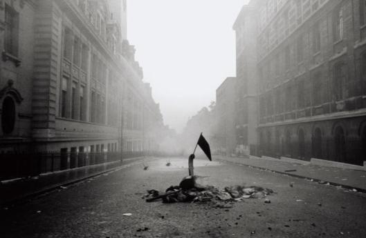 Gilles-Caron-Mai-68-Rue-Saint-Jacques-Paris.-©Gilles-Caron