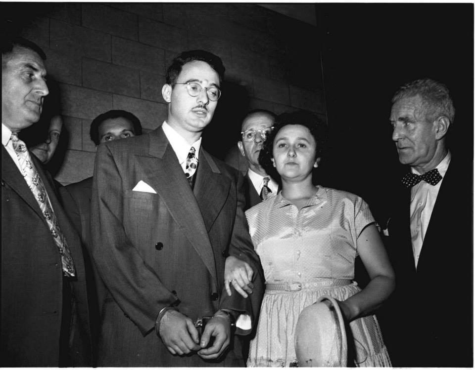 julius-y-ethel-rosenberg-durante-su-juicio-en-19511