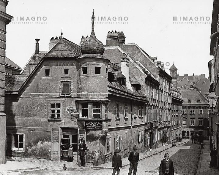 typisches Vorstadtwohnhaus am Spittelberg in Wien VII.