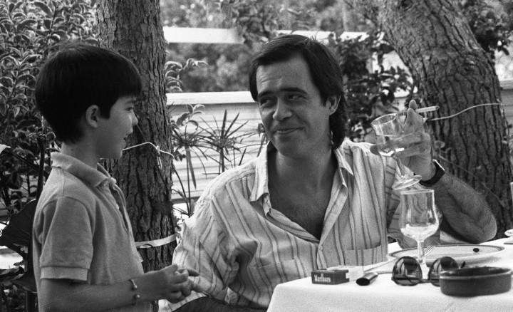 Con Nelo, mi hijo, en 1987. Fotografía de Elisa Pascual