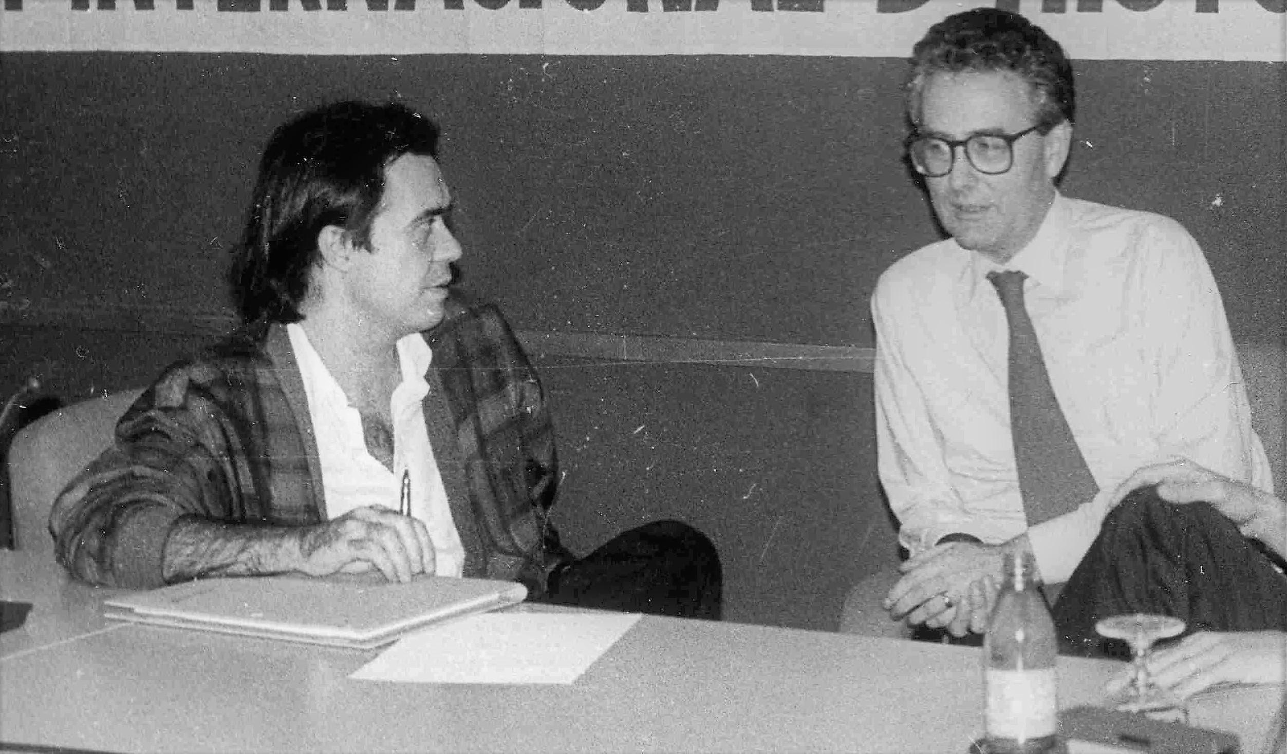 Con John Foster